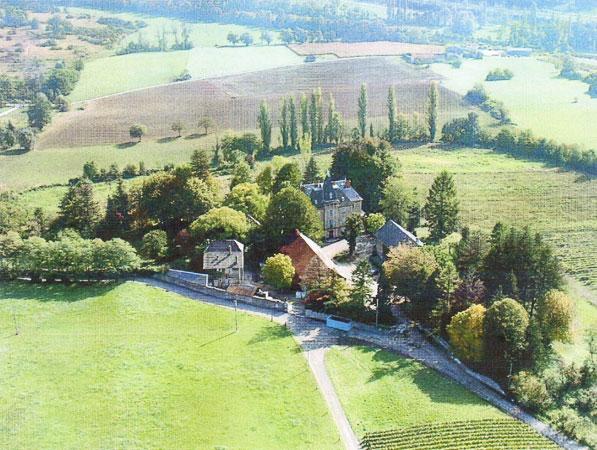 Замок в Альпийском регионе Савойя во Франции