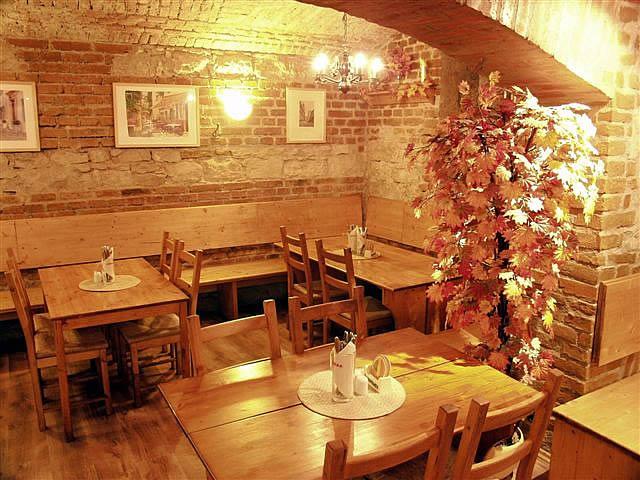 Prodawa_dejstvuusego_restorana_v_centre_goroda__Praga_1_html_m4b0ffa1e