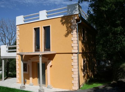 dom_v_sutomore1