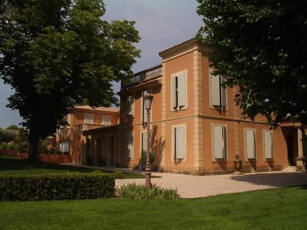 villa_vo_francii_02