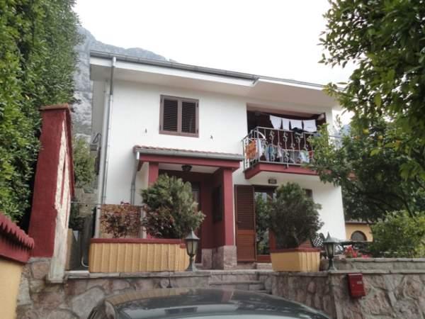 dom_v_kotor_05